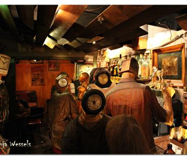 Edward Kienholz, The Beanery